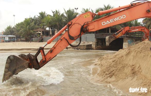 Các khách sạn ven biển Đà Nẵng bị cảnh báo về xả thải - Ảnh 2.