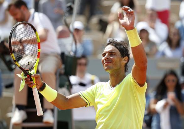 Djokovic và Nadal thắng dễ trận ra quân Roland Garros 2019 - Ảnh 1.