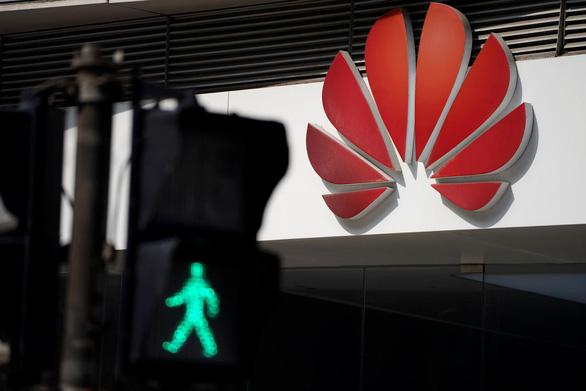 Huawei cáo buộc FedEx của Mỹ chặn bưu kiện khẩn từ Việt Nam - Ảnh 1.