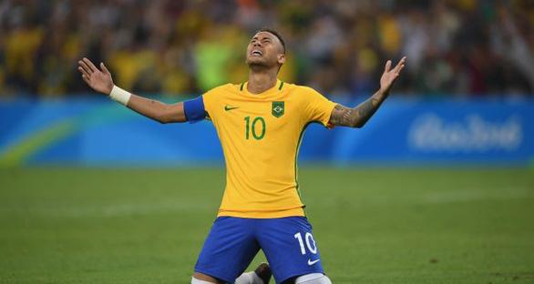 Neymar bị tước băng thủ quân tuyển Brazil - Ảnh 1.