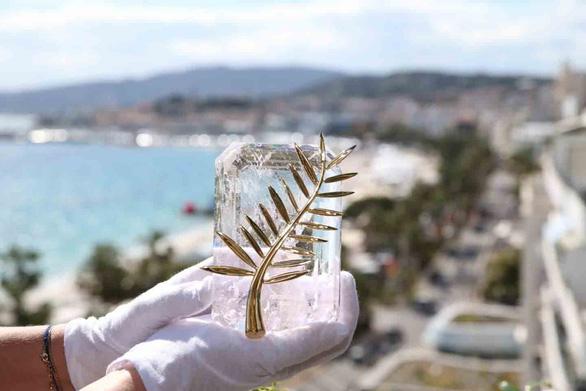 Trao đổi thân xác ở Cannes - Kỳ 1: Gái bao sang nhất thế giới - Ảnh 3.