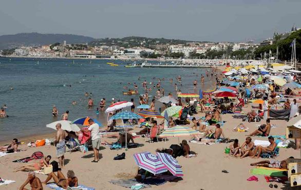 thành phố biển Cannes