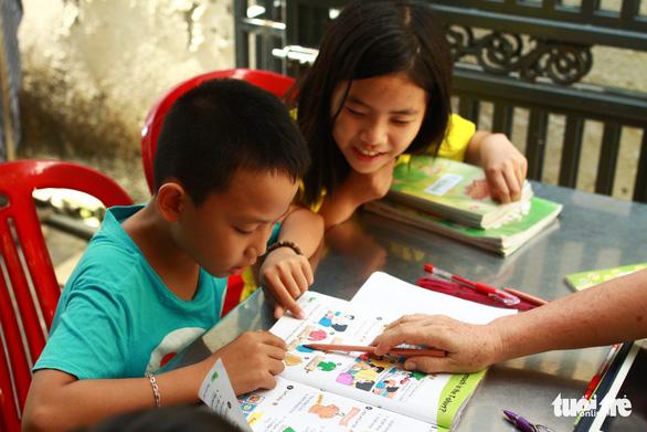 Lớp tiếng Anh miễn phí của cô Hương - Ảnh 3.