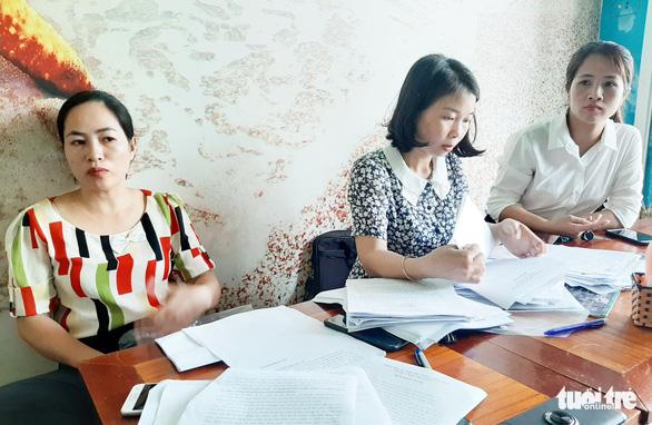 Nghệ An chỉ đạo xử lý vụ 9 giáo viên từ viên chức rớt hợp đồng - Ảnh 1.