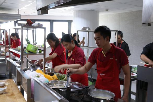 Trúng tuyển đại học quốc tế Hồng Bàng bằng kỳ thi đánh giá năng lực - Ảnh 1.
