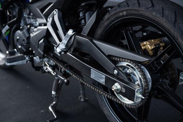 Exciter 150 phiên bản Monster Energy MotoGP: tăng tốc siêu tốc - Ảnh 4.