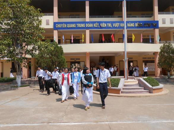Hơn 2.000 học sinh Bình Phước không đăng ký thi vào lớp 10 - Ảnh 1.