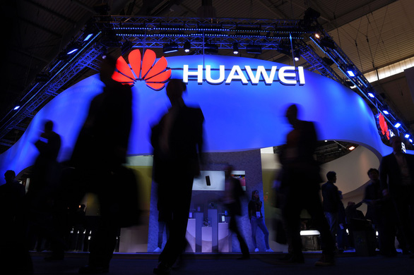 Các hãng chip Mỹ lách lệnh cấm, vẫn bán hàng cho Huawei - Ảnh 1.