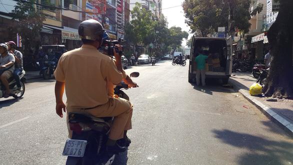 Người dân ghi hình gửi về, CSGT TP.HCM sẽ xử phạt xe vào đường cấm - Ảnh 1.