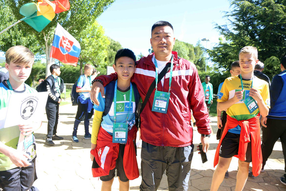 Cờ Việt Nam tung bay ở World Cup trẻ em 2019 - Ảnh 4.