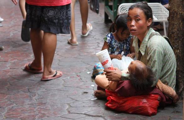 Thái Lan phạt tiền lẫn án tù với người ăn xin - Ảnh 1.