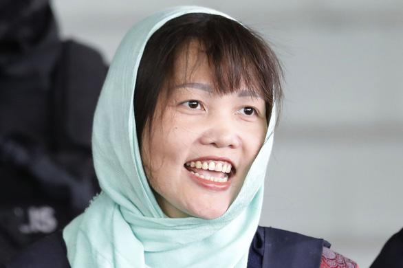 Đoàn Thị Hương được tự do, rời khỏi nhà tù ở Malaysia - Ảnh 1.