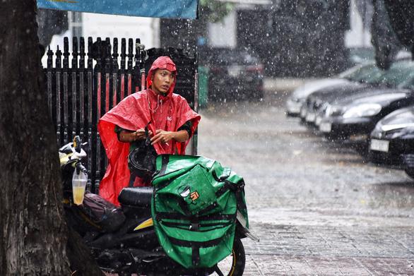 Bà con các tỉnh phía Nam chú ý: mưa lớn từ 13-9 đến 16-9 - Ảnh 1.