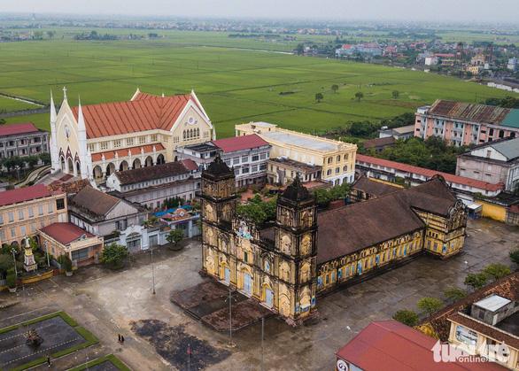 Tổng đại diện giáo phận Bùi Chu khẳng định đại tu nhà thờ là cần thiết - Ảnh 2.