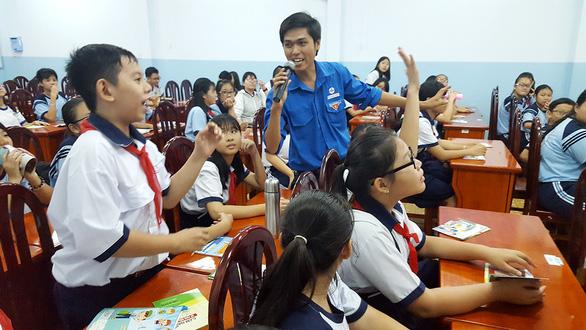 Huấn luyện học sinh sử dụng điện an toàn - Ảnh 1.