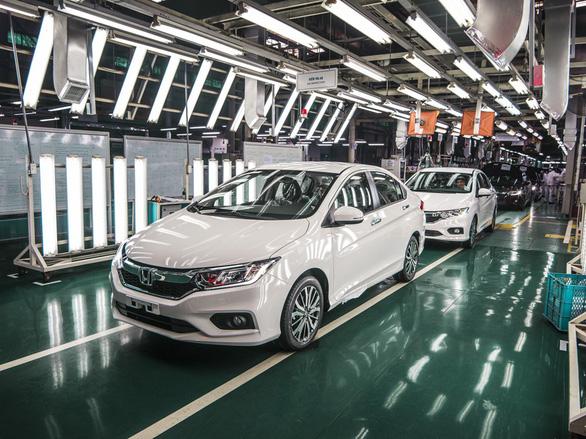 Vướng nghị định, thị trường ôtô Việt Nam vẫn không ngừng nóng - Ảnh 1.