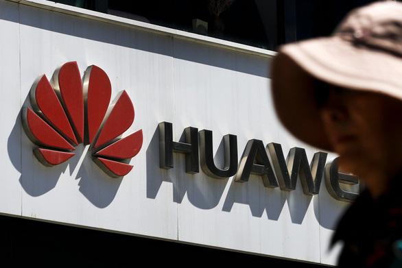 Huawei bị Mỹ cấm bình duyệt nghiên cứu khoa học - Ảnh 1.