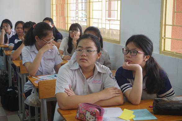 Tuyển sinh lớp 10 Trường trung học thực hành: trung bình 1 chọi 10 - Ảnh 1.