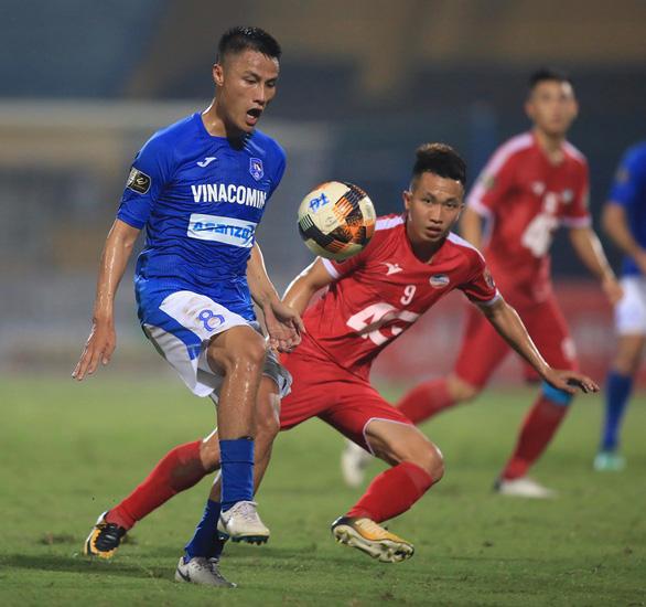 Sân Hàng Đẫy: Rượt đuổi tỉ số giữa Viettel và Than Quảng Ninh - Ảnh 3.
