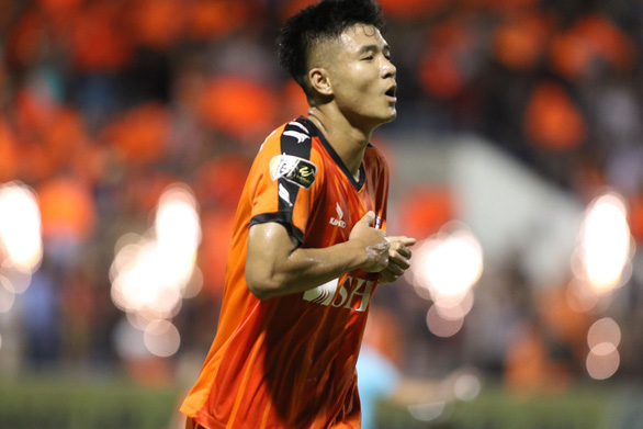 Sân Hòa Xuân: Đội đầu bảng TP.HCM nếm trái đắng - Ảnh 3.