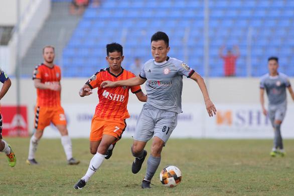 Sân Hòa Xuân: Đội đầu bảng TP.HCM nếm trái đắng - Ảnh 1.