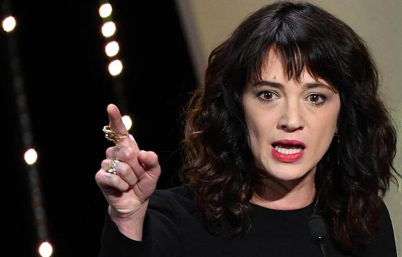 Trao đổi thân xác ở Cannes - Kỳ 3: Đổi tình lấy vai diễn - Ảnh 1.