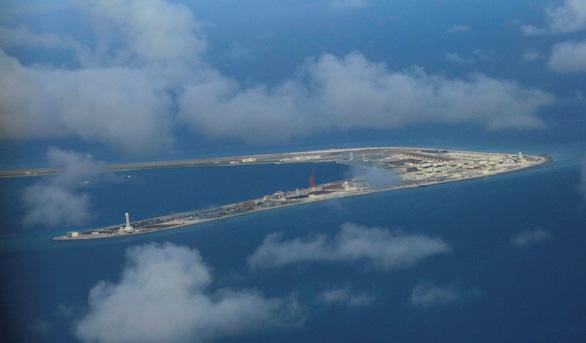 Đối thoại Shangri-La: Mỹ nói Trung Quốc quân sự hóa Biển Đông quá đáng - Ảnh 1.