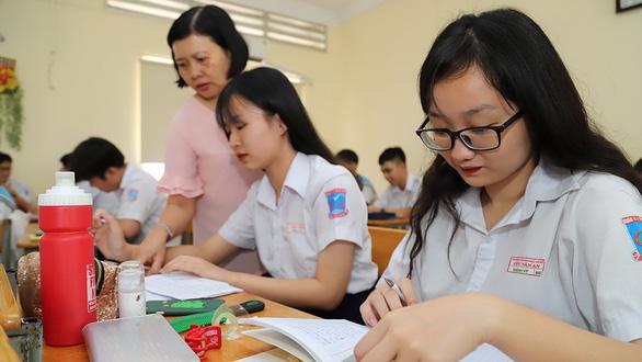 Tuyển sinh lớp 10: Cẩn thận với chứng hay quên và bài thi trắc nghiệm - Ảnh 1.