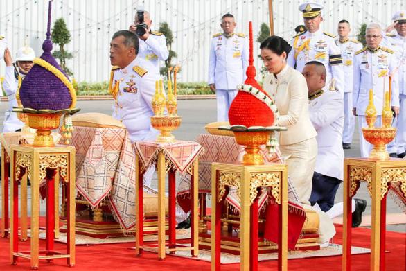 Vua Thái Vajiralongkorn sở hữu khối tài sản hơn 30 tỉ USD - Ảnh 1.
