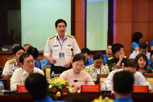 Thủ tướng Nguyễn Xuân Phúc: không thể đi theo con đường lao động giá rẻ - Ảnh 4.