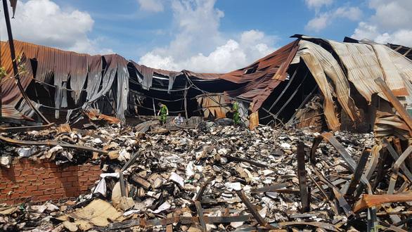 Công an TP.HCM vào cuộc vụ cháy 40 tấn hồ sơ hoạt động xe buýt - Ảnh 1.