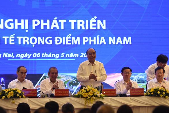 Thủ tướng Nguyễn Xuân Phúc: Bớt nói thành tích, hãy nói yếu kém để khắc phục - Ảnh 1.