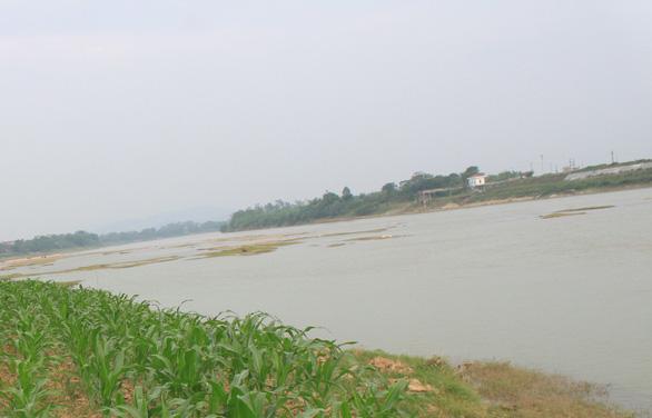 Bốn học sinh lớp 7 chết đuối thương tâm trên sông Mã - Ảnh 1.