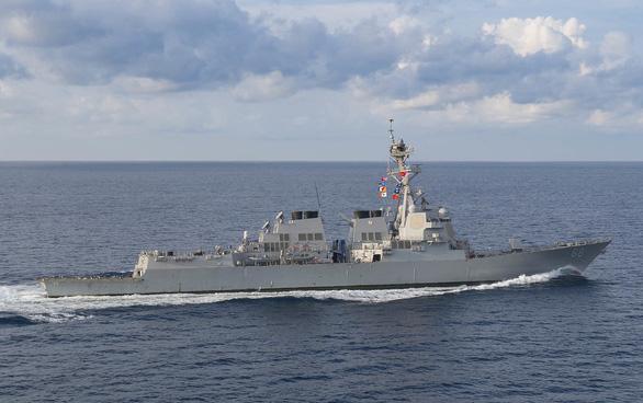 Mỹ điều 2 tàu khu trục tiếp tục hoạt động tự do hàng hải quanh đá Gaven, Gạc Ma - Ảnh 1.