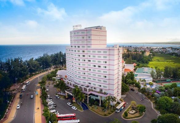 Khách sạn TTC Phan Thiết bị phạt 378 triệu vì xả thải vượt ngưỡng - Ảnh 1.