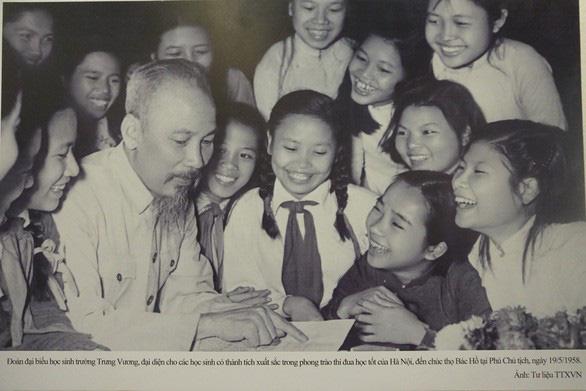 Nhìn lại 50 năm thực hiện Di chúc của Chủ tịch Hồ Chí Minh - Ảnh 1.