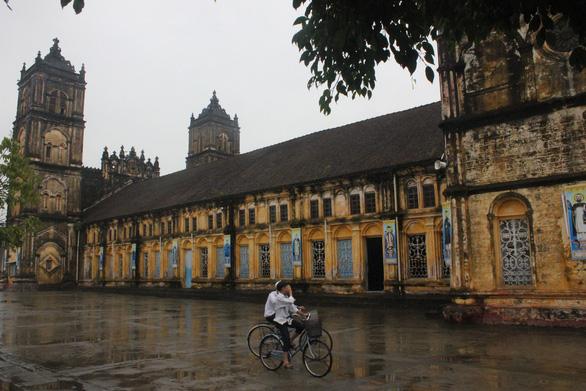 Bộ Văn hóa, thể thao và du lịch xuống khảo sát nhà thờ Bùi Chu - Ảnh 3.
