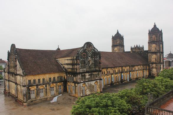 Bộ Văn hóa, thể thao và du lịch xuống khảo sát nhà thờ Bùi Chu - Ảnh 2.