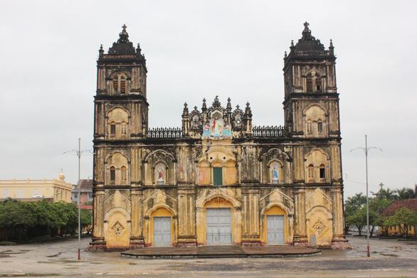 Bộ Văn hóa, thể thao và du lịch xuống khảo sát nhà thờ Bùi Chu - Ảnh 1.