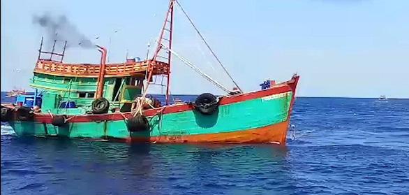 Bà Rịa - Vũng Tàu liên tiếp bắt hai tàu chở dầu không giấy tờ - Ảnh 2.