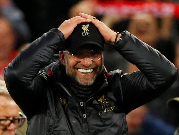 HLV Jurgen Klopp choáng với chiến thắng trước Barcelona - Ảnh 1.