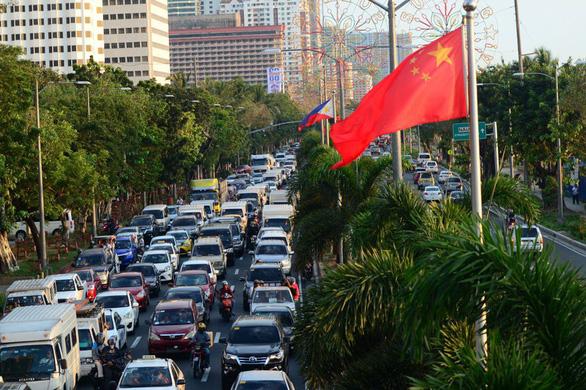 Dân phản ứng mạnh, Philippines đóng cửa các nhà hàng chỉ tiếp khách Trung Quốc - Ảnh 1.