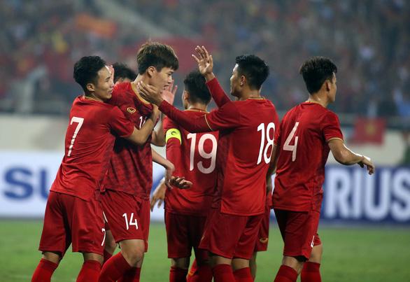 Người Thái vừa mừng vừa run khi gặp Việt Nam ở King's Cup 2019 - Ảnh 1.