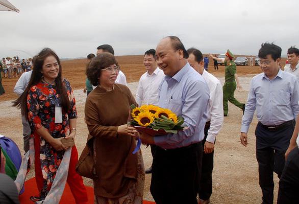 Khởi công dự án chăn nuôi bò sữa, chế biến sữa 3.800 tỉ đồng ở Thanh Hóa - Ảnh 1.