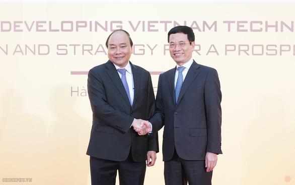 Thủ tướng dự diễn đàn phát triển doanh nghiệp công nghệ Việt Nam - Ảnh 1.