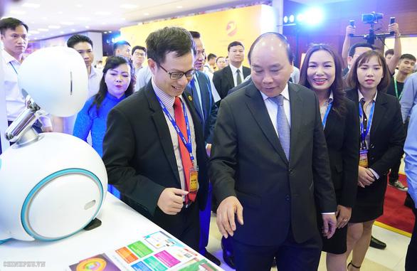 Thủ tướng dự diễn đàn phát triển doanh nghiệp công nghệ Việt Nam - Ảnh 3.