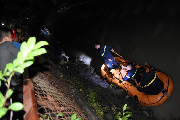 Đã tìm thấy thi thể 1 trong 2 nam sinh lớp 10 đi học thêm bị nước cuốn - Ảnh 1.