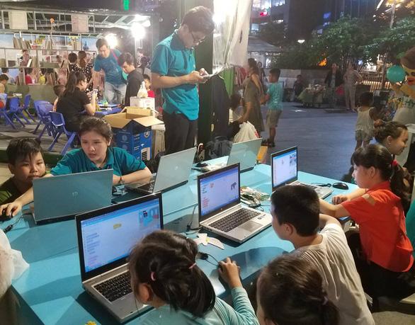 Đông đảo người dân tham dự Ngày hội văn hóa đọc lần đầu tại TP.HCM - Ảnh 3.