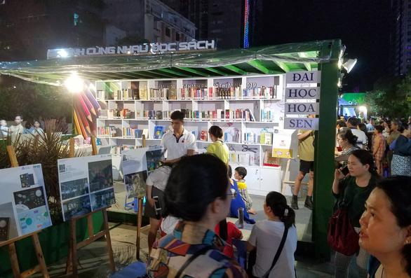 Đông đảo người dân tham dự Ngày hội văn hóa đọc lần đầu tại TP.HCM - Ảnh 7.