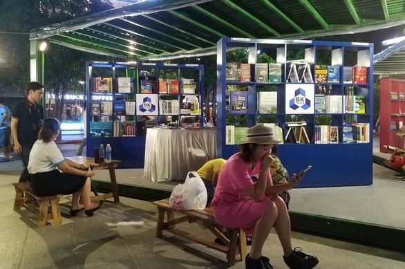 Đông đảo người dân tham dự Ngày hội văn hóa đọc lần đầu tại TP.HCM - Ảnh 5.